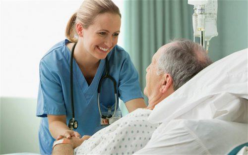 Điều dưỡng có thể làm nhiều công việc tại viện