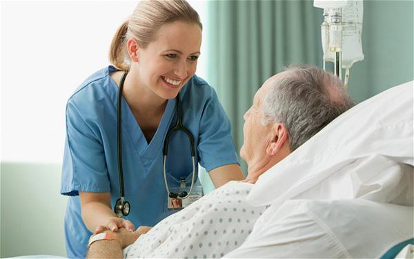 Liên thông Cao đẳng điều dưỡng mở rộng cơ hội tìm kiếm việc làm