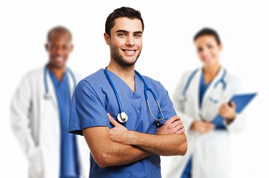 """Điều dưỡng viên là """"cánh tay đắc lực"""" cho Bác sĩ điều trị bệnh"""